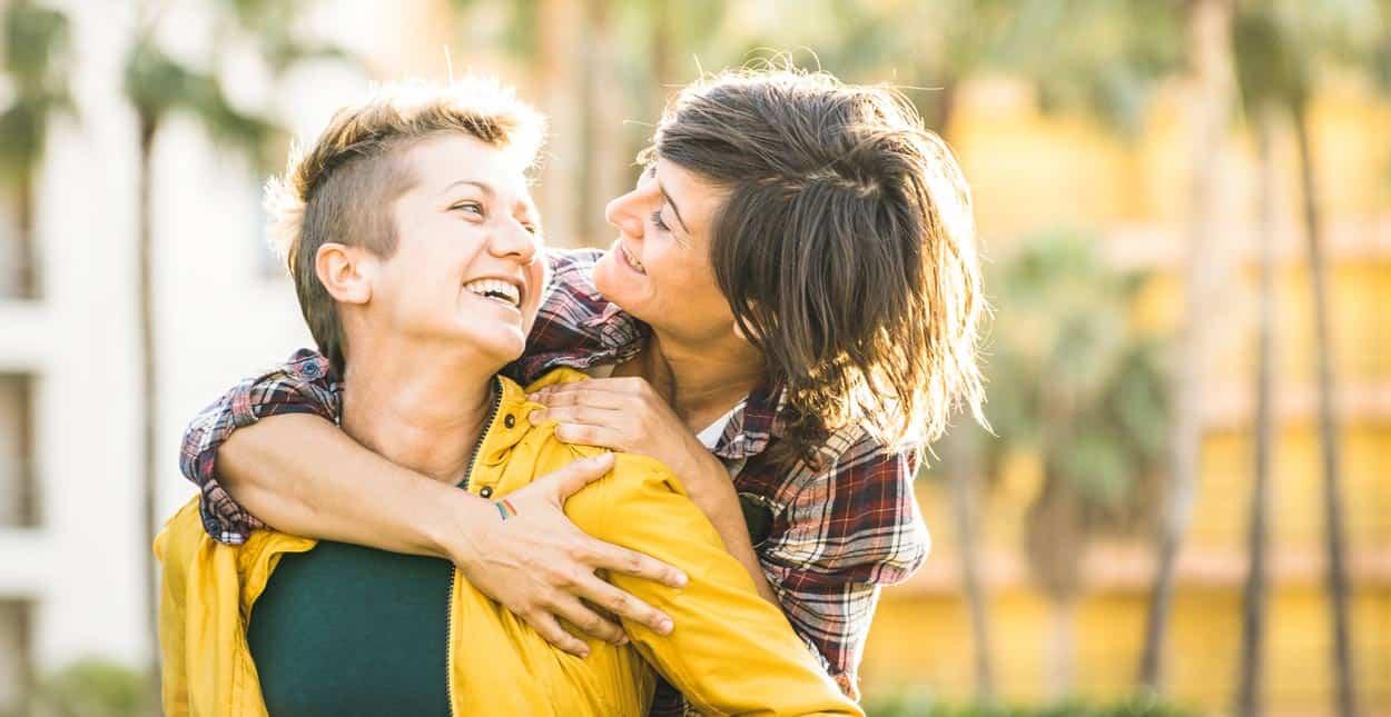 dating lesbians